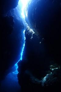 洞窟も光が差し込む~